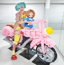 【バルーンパフォーマーキャサリンの風船プレゼント】